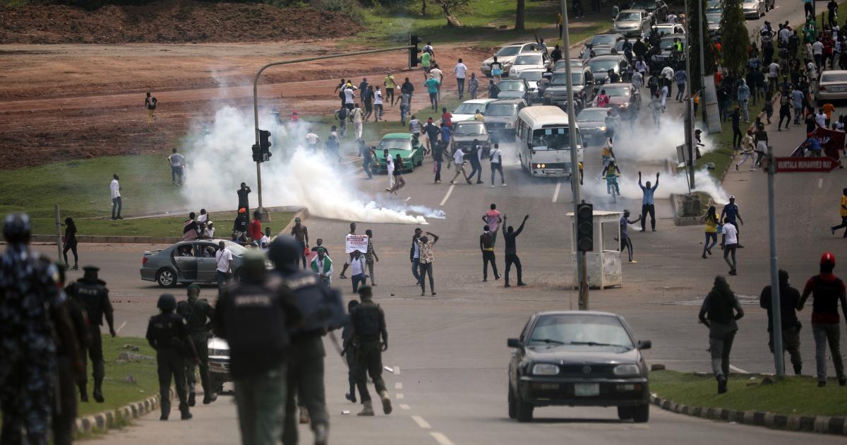 Нигерия: комендантский час в Лагосе на фоне протестов против жестокости полиции