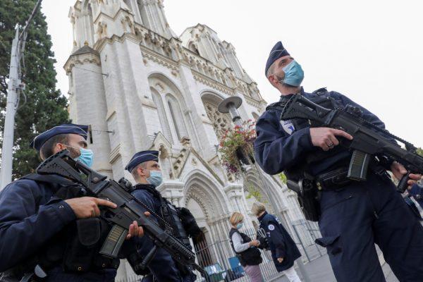 Французские мусульмане выражают «гнев и печаль» после нападения в Ницце