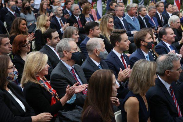Фаучи «совершенно не» удивлен, что Трамп заразился COVID-19