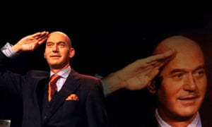 Пим Фортейн, ультраправый голландский политик, убитый в 2002 году, ссылался на права геев в своих аргументах против ислама.