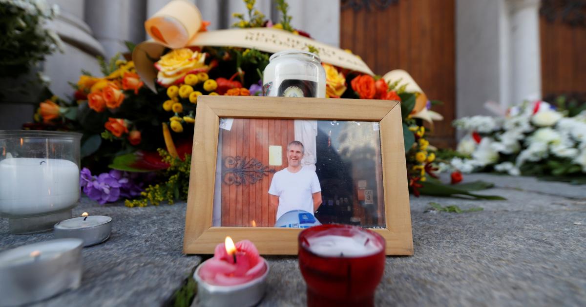 Шок, траур и протесты ультраправых после нападения на церковь в Ницце