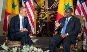 Президент США Барак Обама и президент Сенегала Маки Салл в Дакар в 2013 году.