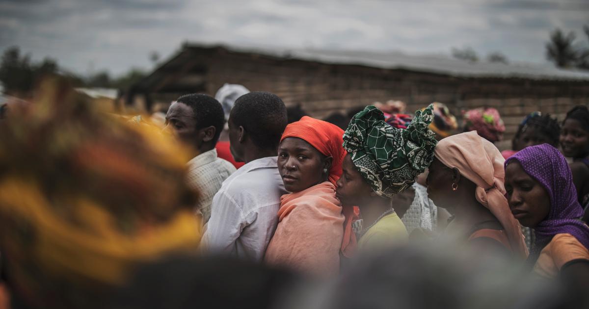 Десятки людей утонули после того, как лодка опрокинулась у берегов Мозамбика