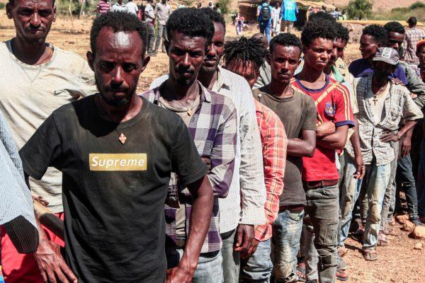 Эфиопия бомбит столицу Тигре, поскольку она отклоняет призывы к посредничеству