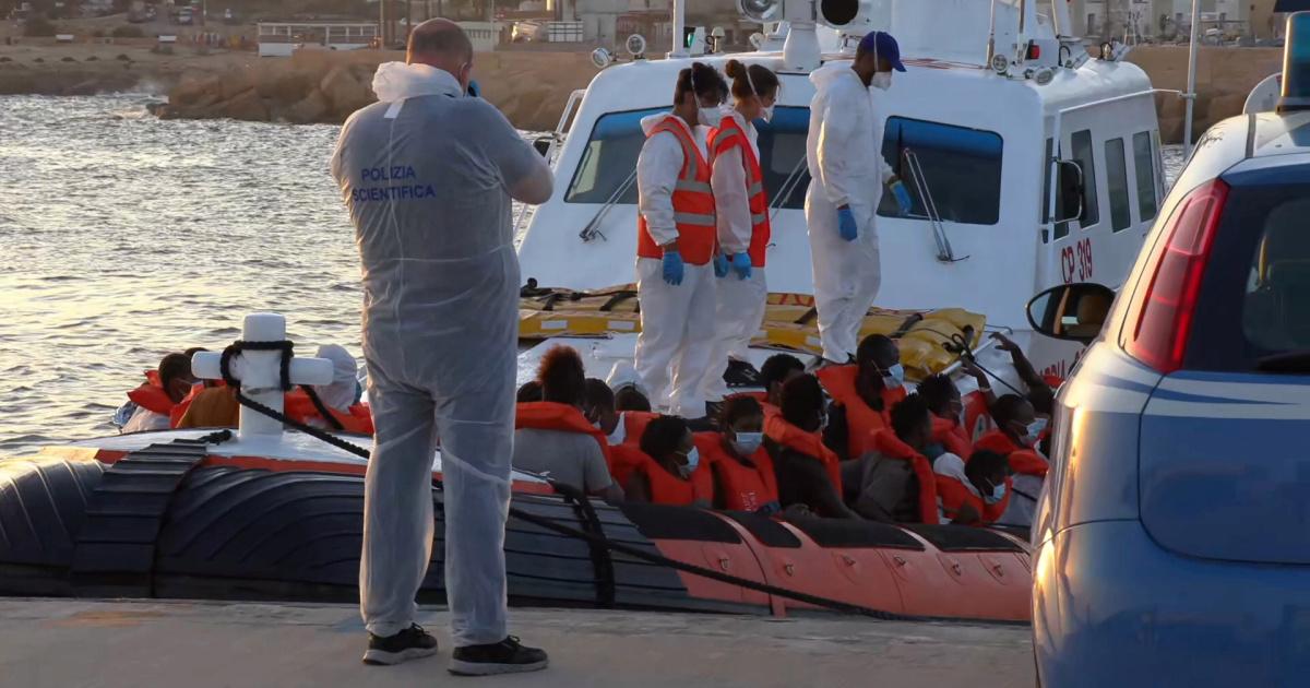 Италия может развернуть корабли и самолеты, чтобы предупредить Тунис о лодках-мигрантах