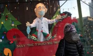 « Да пребудут с тобой Фаучи », Рождественское окно, Нью-Йорк, США , Нью-Йорк, 29 ноября 2020 г.