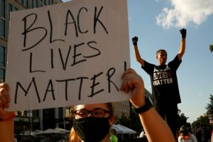 Руководство полиции, которое называет BLM «террористической» группой, вызывает возмущение