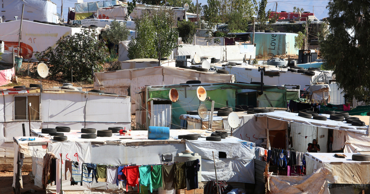 Лагерь сирийских беженцев в Ливане подожгли после боя