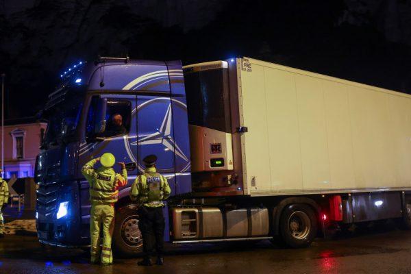 Франция вновь откроет границу с Великобританией