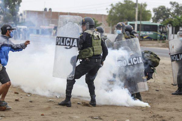 Перуанские фермеры сняли блокпост, поскольку переговоры с правительством начались