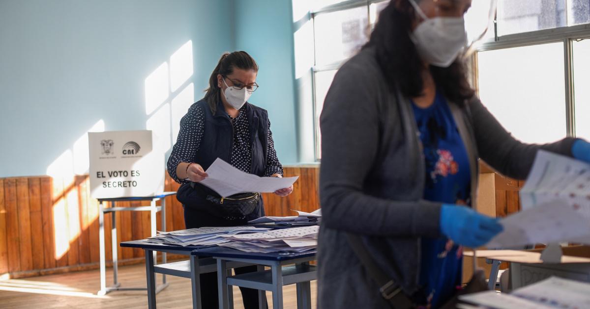 Уходящий президент Эквадора призывает к быстрому и точному подсчету голосов