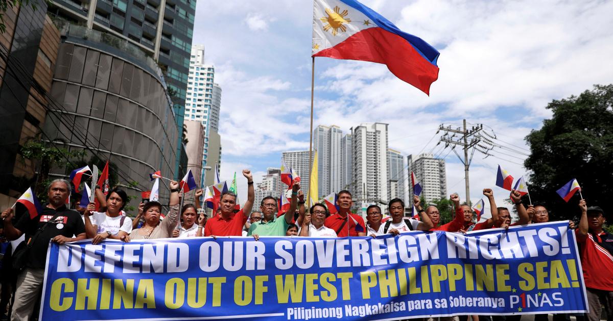 Филиппины говорит 220 китайских судов пятнистый на спорном рифа