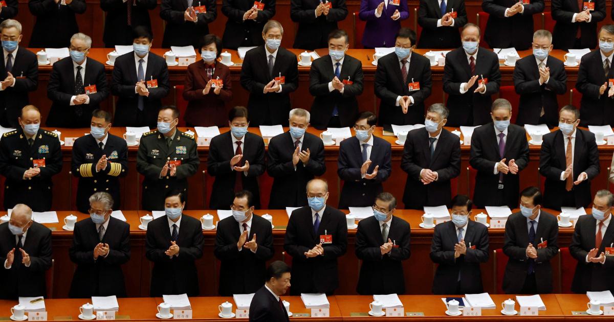 """ВСНП Китая обеспечит """"патриотам"""" власть в Гонконге: официальный представитель"""