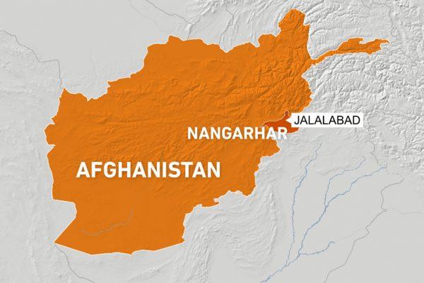 Афганская женщина-врач убита бомбой, боевики убили 7 рабочих: официальные лица