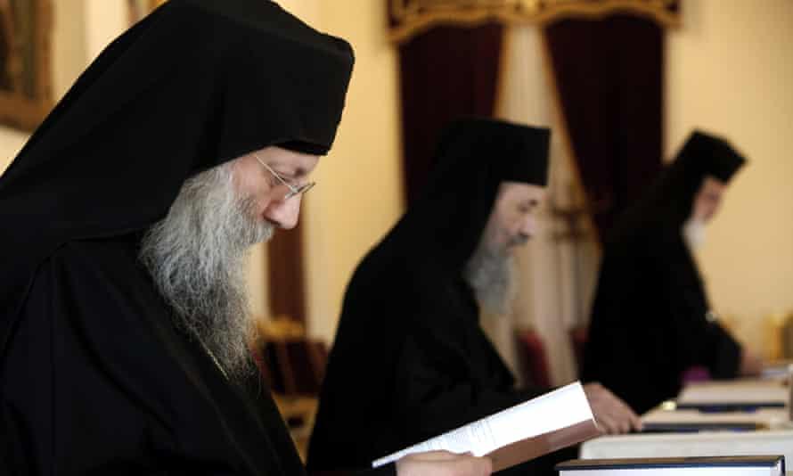 Служители Православной церкви Священного Синода на Кипре
