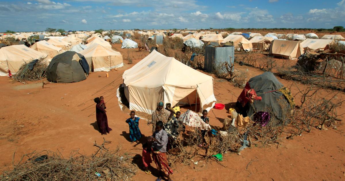 Байден клянется поднять ограничение на прием беженцев, но приводит некоторые подробности