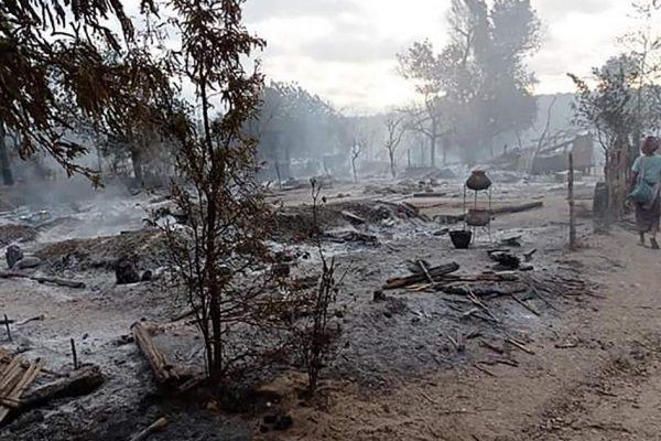 Силы безопасности Мьянмы обвинили в поджоге деревни в Магуэе