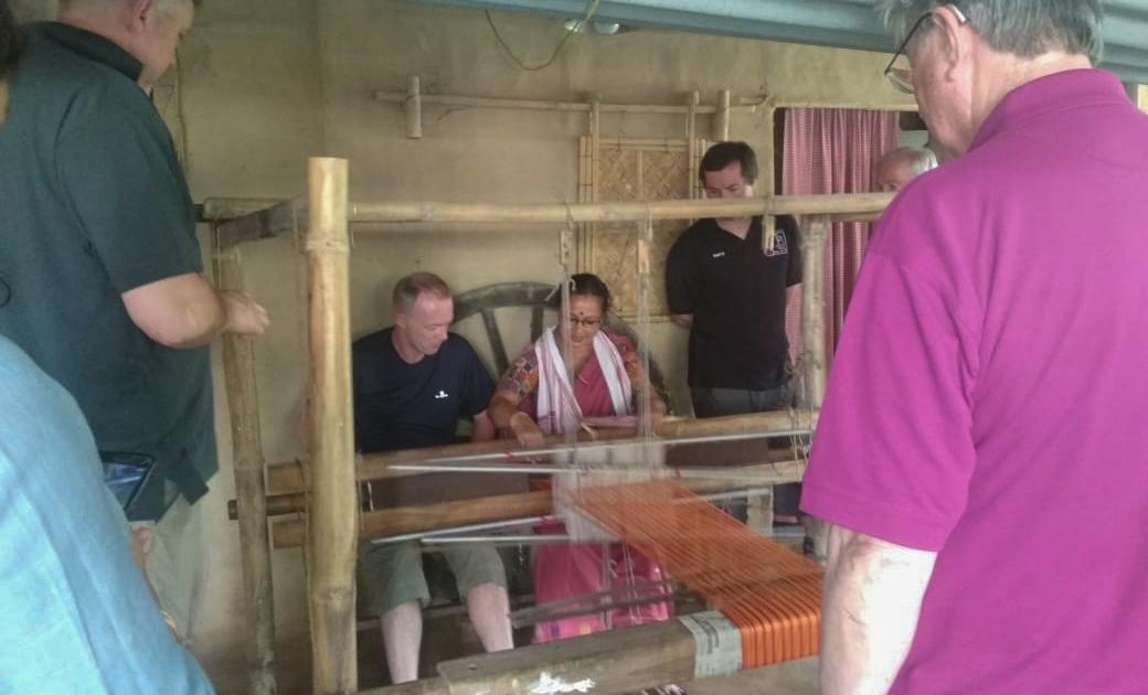 """Женщина-предприниматель превращает """"мусор в сокровище"""" в индийском Ассаме"""