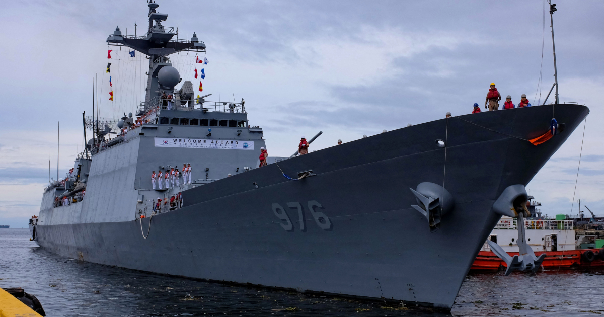 Корея планирует переброску боевых кораблей по воздуху после массовой вспышки COVID