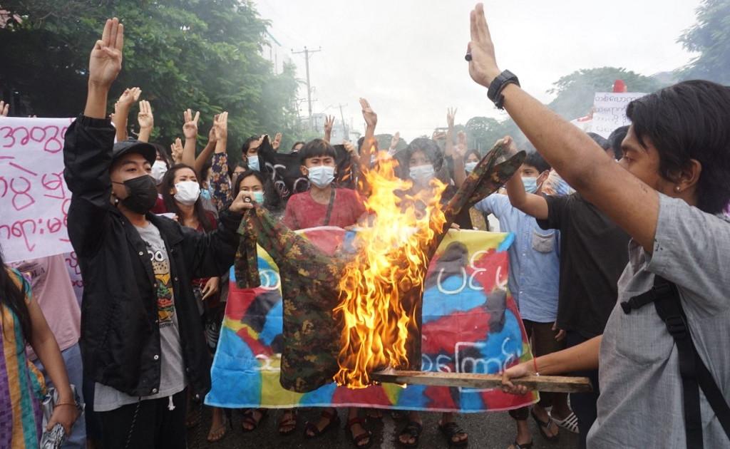 Санкции США 22, включая министров Мьянмы, за военный переворот