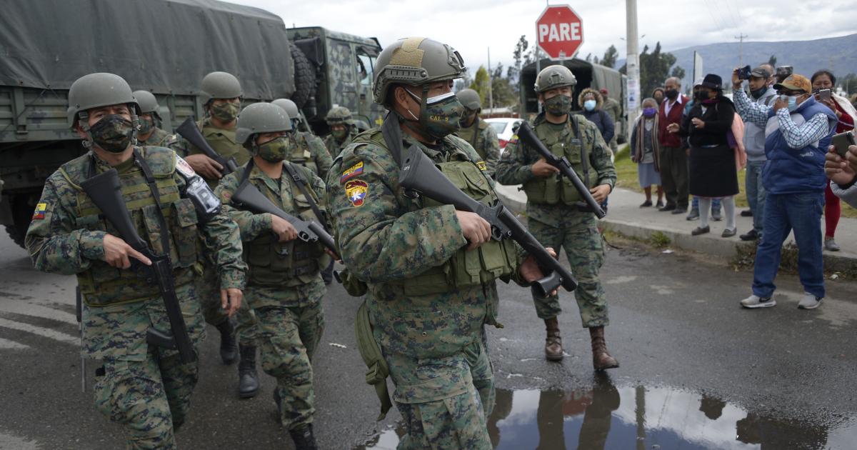 Число погибших в результате двух тюремных беспорядков в Эквадоре выросло до 22