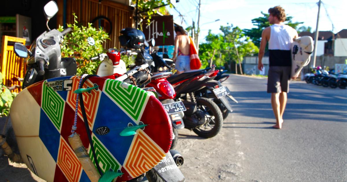 Могут ли непривитые посетители Бали создать новую точку доступа COVID?
