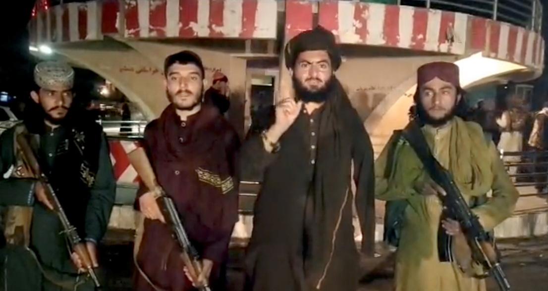 Талибан штурмует тюрьму в Кандагаре, падает штаб полиции Лашкаргаха: Live