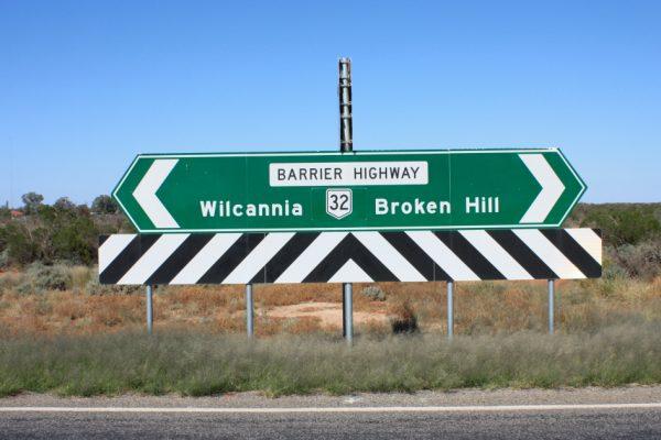 Коренные жители Австралии сталкиваются с кризисом COVID в условиях кризиса