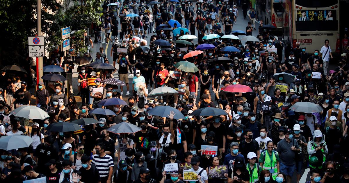 Гонконгские активисты и экс-депутаты отправлены в тюрьму за протесты 2019 года