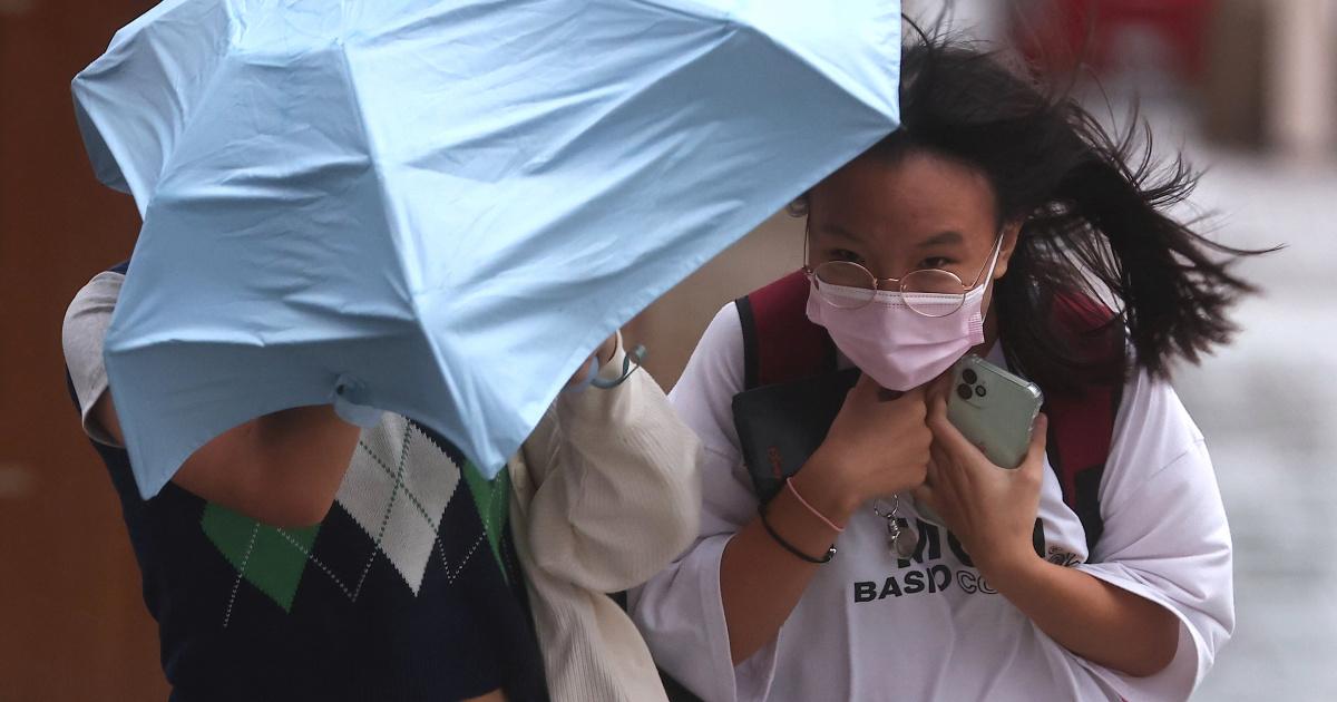 Шанхай приостанавливает полеты и школы по мере приближения тайфуна Чанту