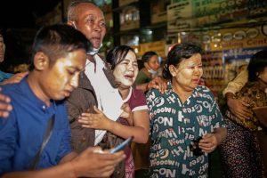 Сотни политических заключенных освобождены в Мьянме после амнистии