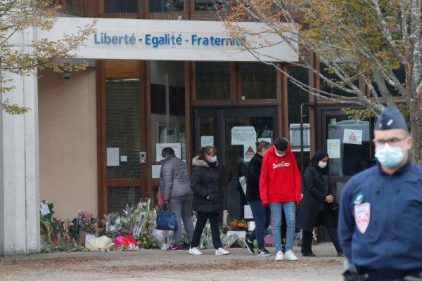 Подозреваемые в обезглавливании призвали к смерти учителя: министр