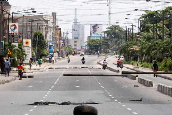 Напряженное спокойствие в Нигерии после нескольких дней беспорядков