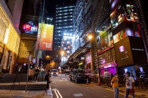 Экономика Гонконга восстанавливается, но восстановление кажется неравномерным